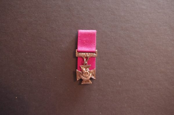 Miniature Victoria Cross (Replica)